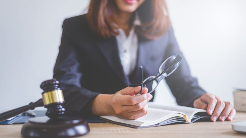 How to find a divorce lawyer – Our 5 top tips